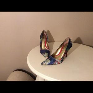 Pointed toe pumps, barely worn.